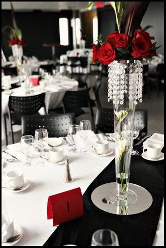 Negro blanco y rojo sobria decoracion de mesas - Decoracion blanco y negro ...