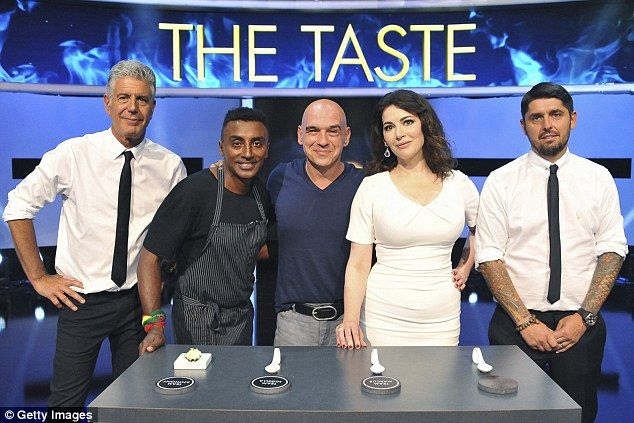 Special guest: The group were joined byMichael Symon, restaurateur and co-host of ABC's The Chew for their festive episode
