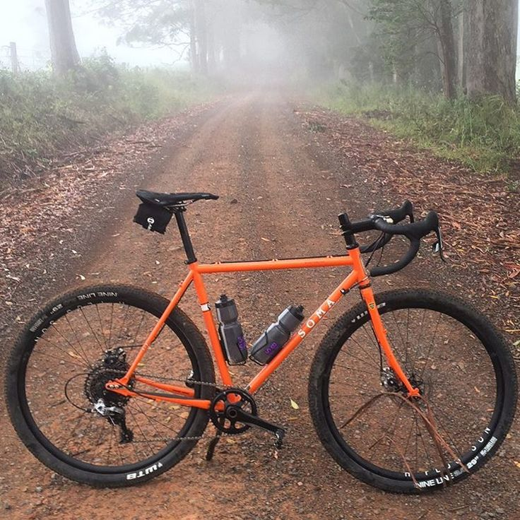 """A beauty of a gravel grinder to explore the back roads. By @bennettrust."""