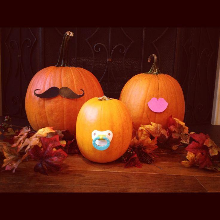 Super cute idea for a fall pregnancy announcement!