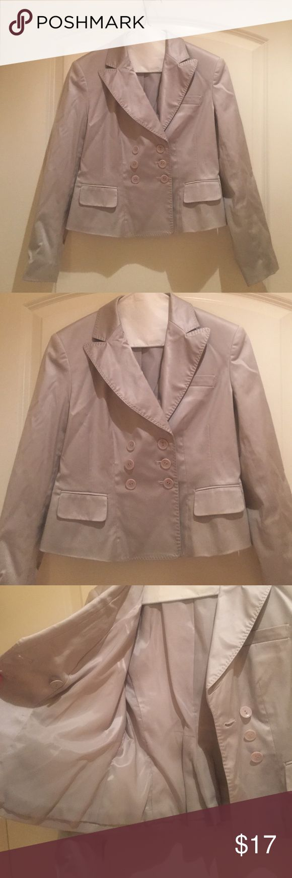 Pretty Talbots Kaki Blazer size 2❤️ Gently used but in great condition! Talbots 3 front button jacket size 2 petit. Polyester lining, outer: 56 percent silk, 39 percent cotton, 5 percent spandex. Minor mark on inside of jacket-see pic. Shoulder padding, 21 inches long. 20 inch arm length. 16 inches arm pit to arm pit. 5 inch slit in back. Talbots Jackets & Coats Blazers