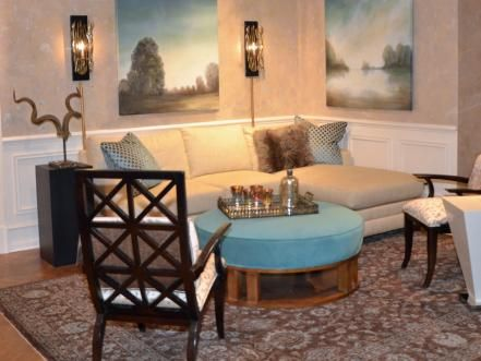 Try these 10 simple strategies for arranging coffee table accessories to fit your - and your room's - style. Then see how our readers used these tips in their homes!