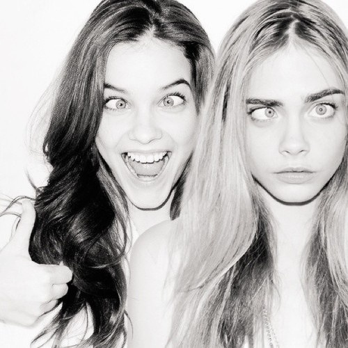 "Photography ideas -  Gotta have some crazy pics... practice your ""silly faces""! - would be great for best friends obviously!"