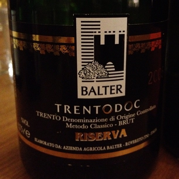 2005 #TrentoDoc riserva of Balter has a great complexity and elegant. 72 months on lees, 80% chardonnay 20% pinot nero, excellent price-quality ratio.  #wine #winelove