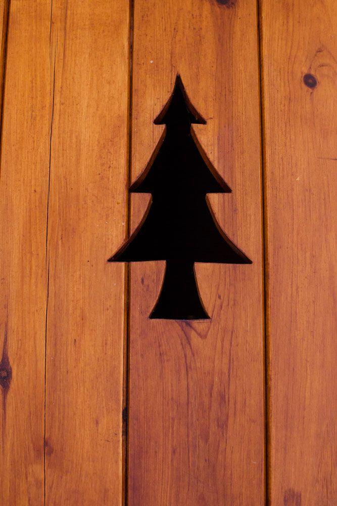 Prali Italy Samantha De Reviziis Pine wood door