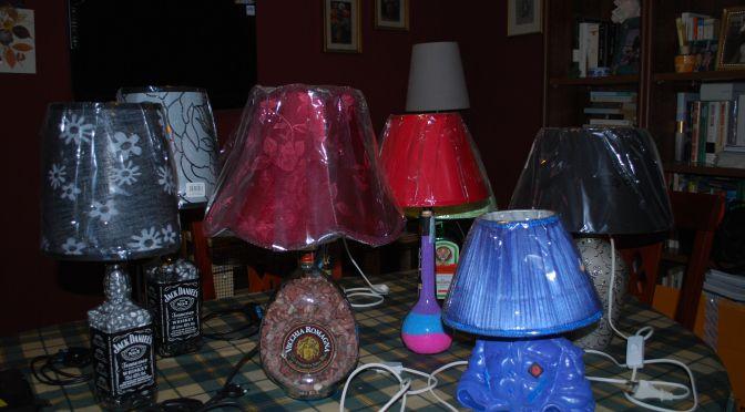 Come trasformare una vecchia bottiglia in una splendida lampada...poche regole per arredare la vostra casa