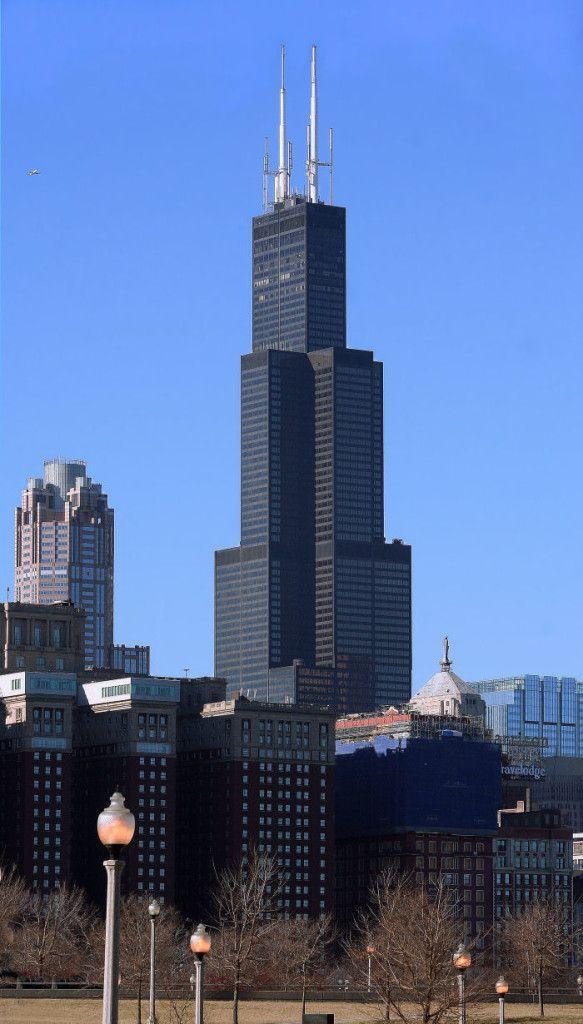 """La Torre Willis, antiguamente conocida como """"Torre Sears"""", está ubicada en Chicago y fue construida en 1970."""