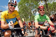 Bradley Wiggins, left, hopes to give Britain its first Tour de France victory while Australian veteran Cadel Evans is out to defend his title. Photo / AP: Photo