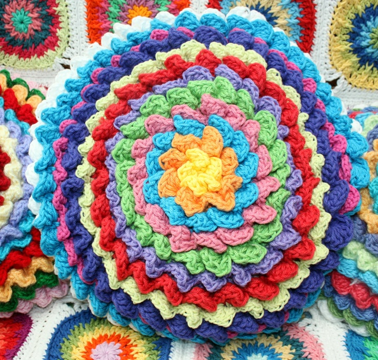 Crochet Flower Cushion Pattern Free : The 240 best images about Crochet Flowers and leaves ...