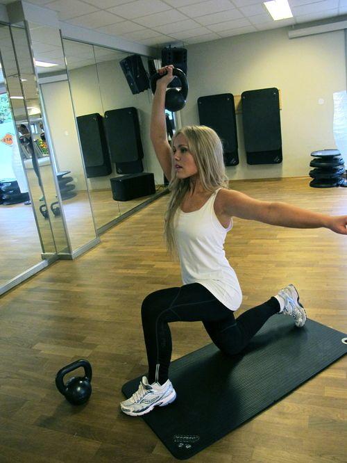 kettlebells: Fit Workout, Motivationworkoutsfit Stuff, Killers Workout, Poker Chips, Great Workout, Workout Pin, Workout Outfits, Kettles Belle Workout, Fit Motivation