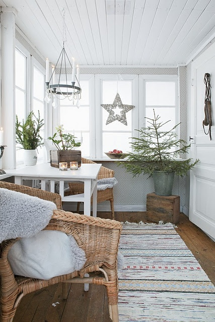 Love this room, even the Charlie Brown style Christmas tree!
