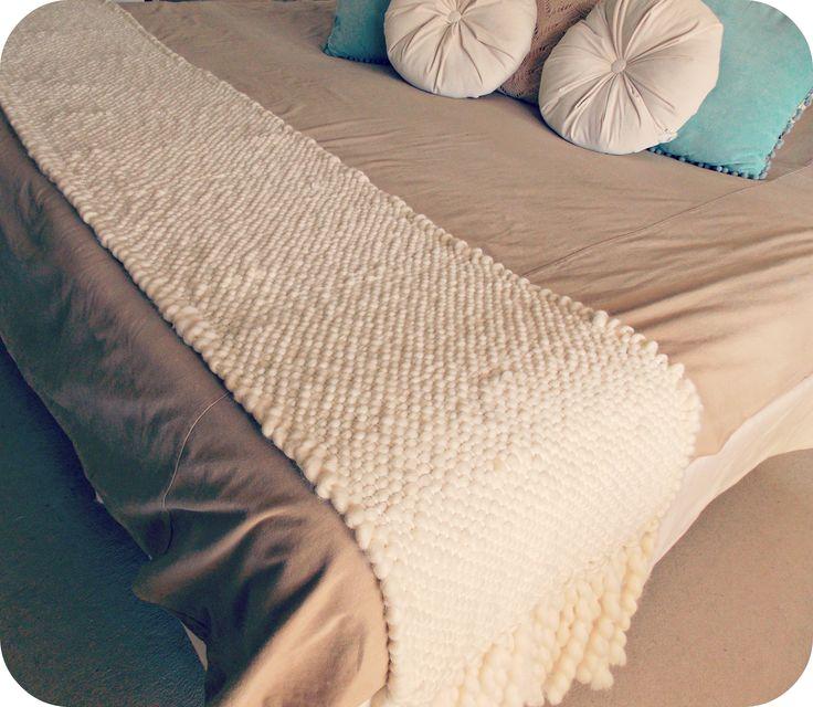 Pie de cama tejido en telar