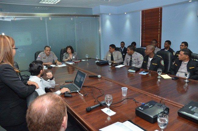 Jefe PN se reúne con Directora de Contrataciones Públicas para coordinar avances nuevo portal transaccional