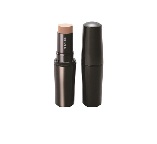 Fond de Teint Stick Shiseido http://www.vogue.fr/beaute/shopping/diaporama/blush-en-stick/13250/image/754274