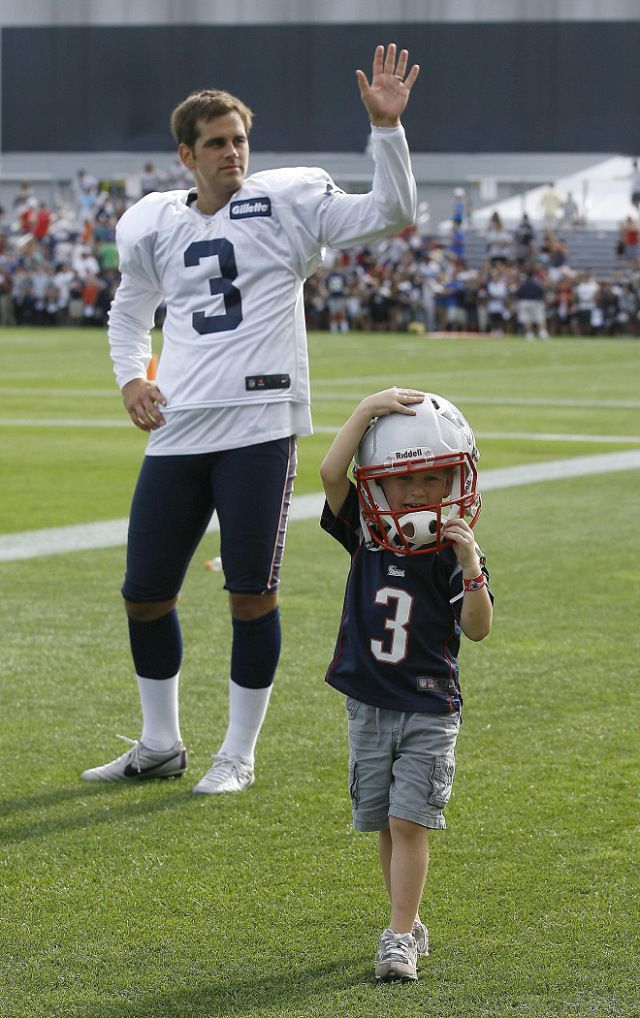 Stephen Gostkowski with his son | Patriots kicker Stephen Gostkowski with his son (Photo by Stew Milne ...