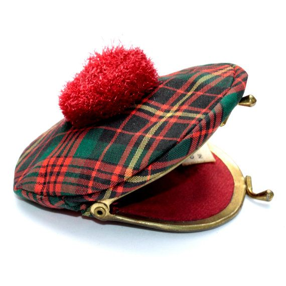 Sweet vintage tartan plaid Scottish hat change purse with kisslock closure