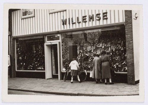 Niet alle historische winkelpuien worden nu nog als fraai ervaren.