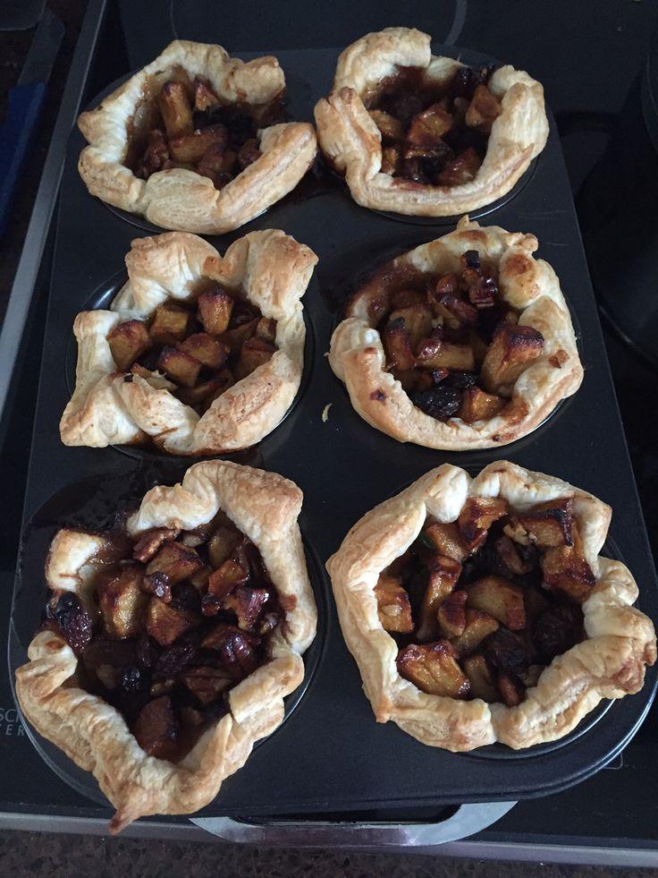 Kruidige mini-appeltaartjes.