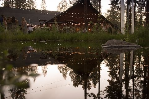 FivePine Lodge summer wedding. Sisters, Oregon wedding. Central Oregon wedding Destination. Kimberly Kay photography. Outdoor wedding reception and ceremony.