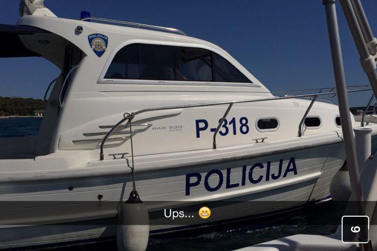 Sailing too fast according to the Croatian sea-Police