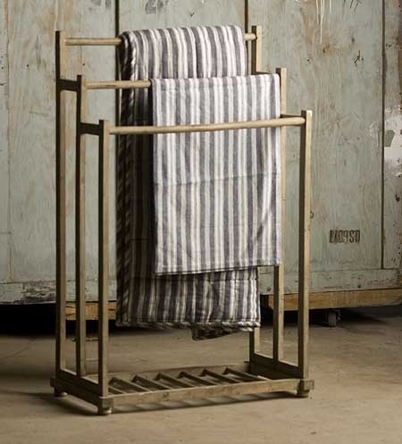 drying rack   would make a great blanket/quilt stand for an unused corner of my bedroom... hmmmm