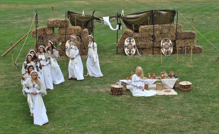 Romania pictures ~ a beautiful corner of Europe Getae-Dacians brought to life part 3history » dacians dacian women ancient people ritualromanians