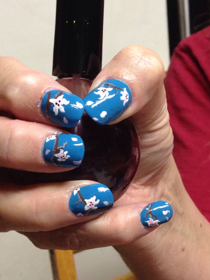 Acrillics and flower nail art 1
