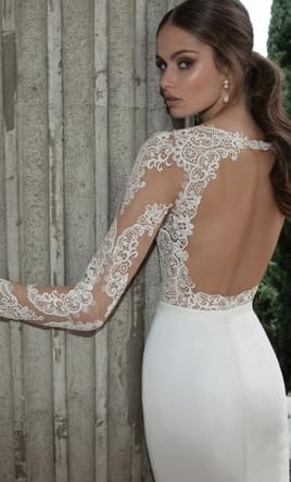 Berta 14 15 6 Buy This Dress For A Fraction Of The Salon Price