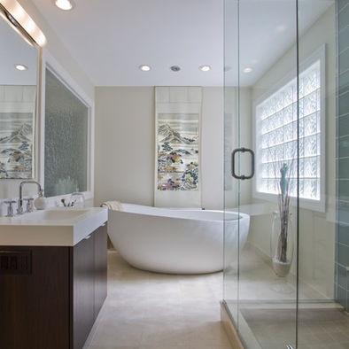 Bath Tub In The Shower