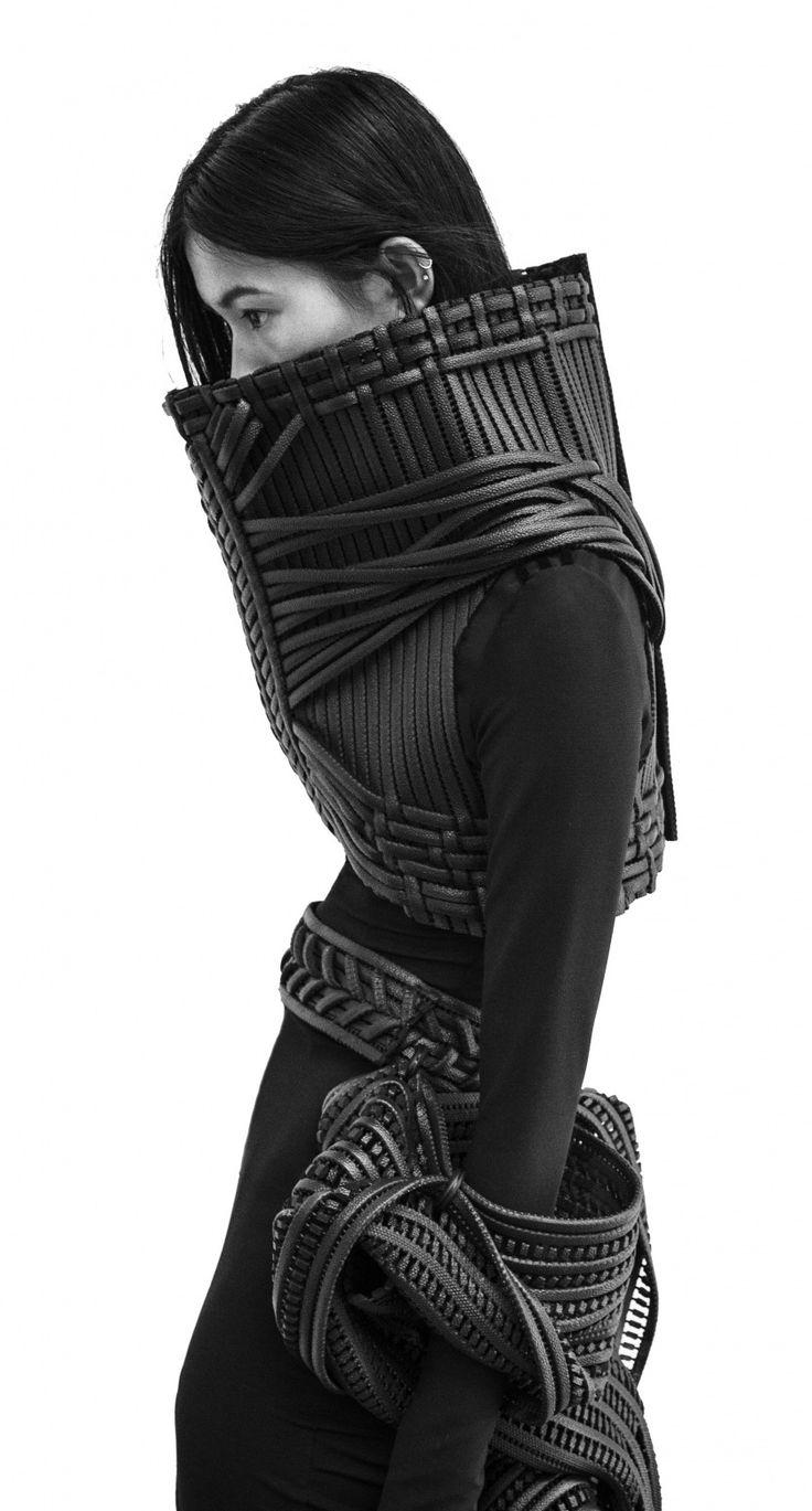 Fashion as Art - experimental fashion design with woven leather; sculptural fashion armour // Sarah Ryan