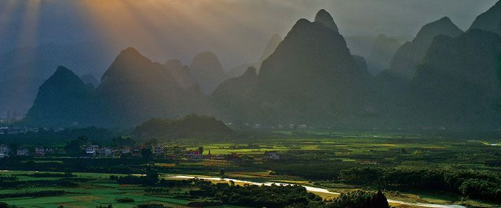 Yangshuo County Tourism- Travel in Yangshuo county in Guilin China- Yangshuo County Travel Guide