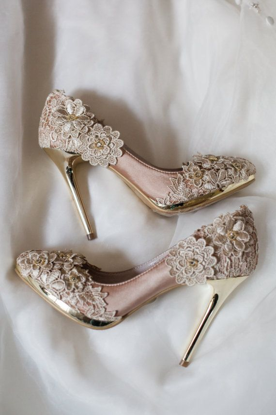 SALE!  Vintage Flower Lace Wedding Shoes with Champagne Gold Applique Crochet Bridal Satin Pumps Shoes