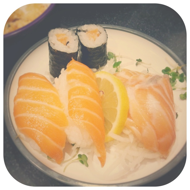 Sun, Sushi & Shops (2)