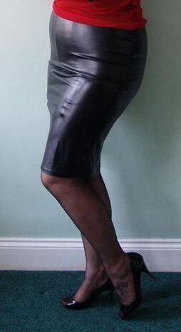 563f3d746f1 Visible Garter Bumps | Арт in 2019 | Suspender bumps, Garter straps ...