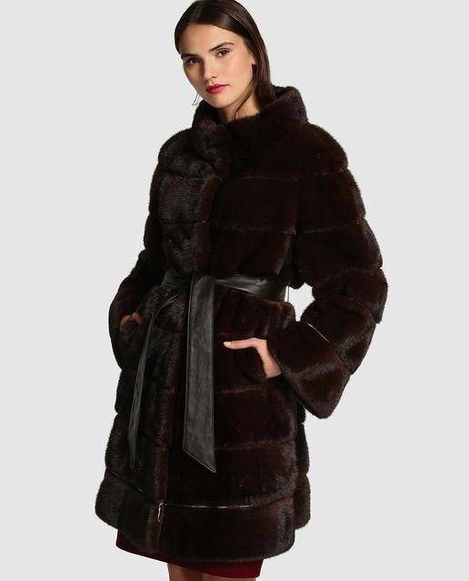 Abrigo de visón de mujer El Corte Inglés con cinturón de piel