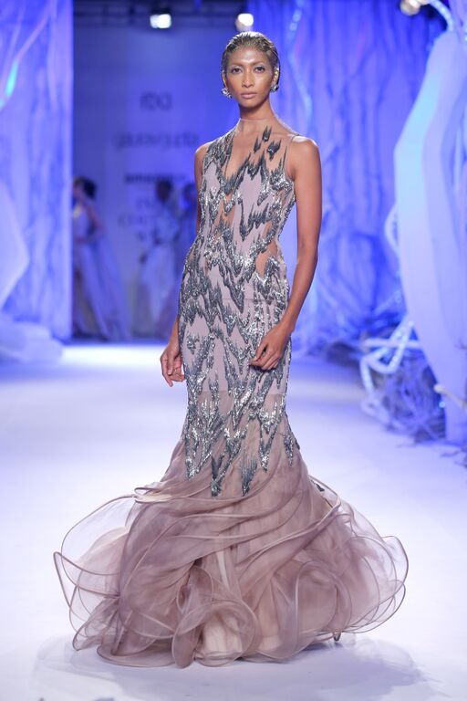 1000 Ideas About Indian Couture On Pinterest Vogue