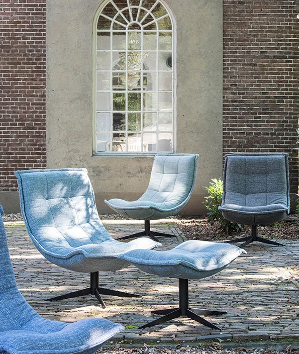 Time to sit down and relax. Nieuw in onze collectie: Fauteuil Spider.