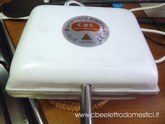 la biscottiera elettrica: mini waffel al cocco