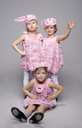 Карнавальные костюмы в три поросенка