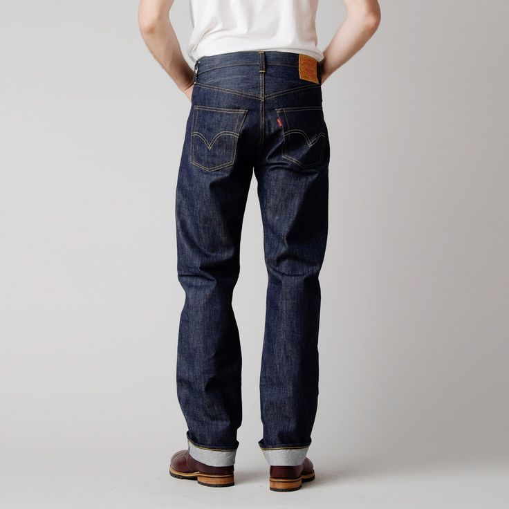 The Levi's 1947 501 Raw shrink-to fit jean is the slimmest cut of the 501 collection. The 1947 501's feature a high-rise waist line with a loose fitting top and keep a continuous straight leg througho