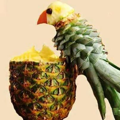 Parrot carving using a pineapple