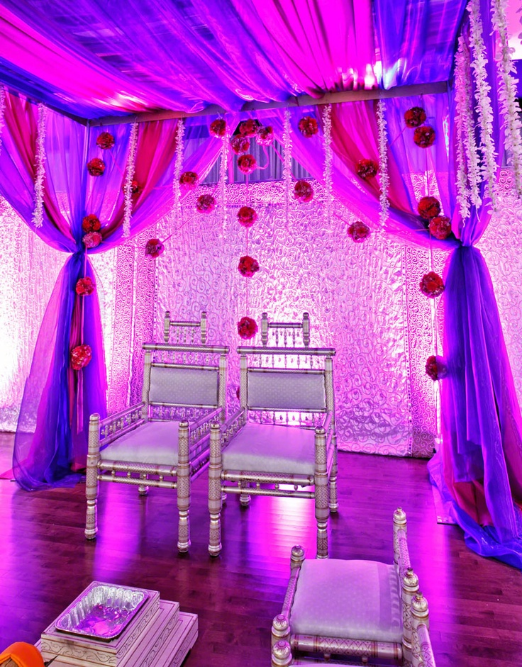 such a pretty mandap!