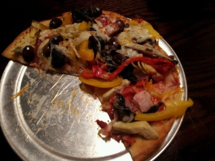 Deluxe pizza from Newk's