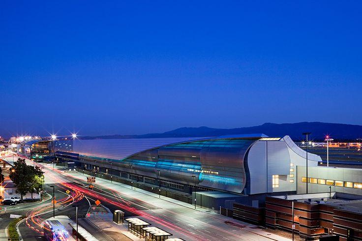 Norman Y. Mineta San Jose International Airport, Terminal B Concourse   Steinberg Architects   Photography by Sherman Takata