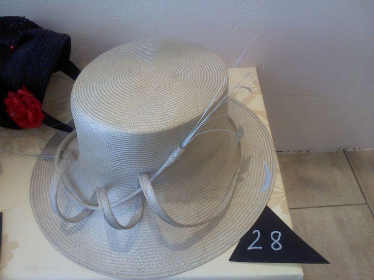chapeau blanc femme pour cérémonie