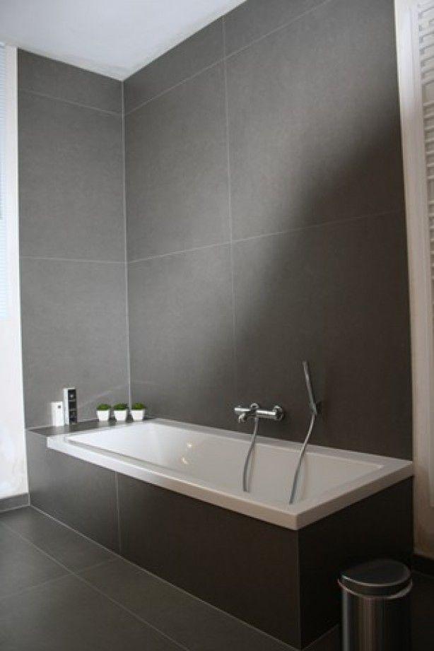 17 beste idee n over grijze tegelvloeren op pinterest grijze tegels tegel vloeren en tegel - En grijze bad leisteen ...