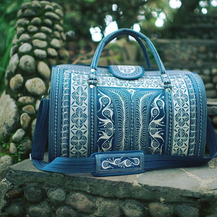 The Aman weekender. Aman means secure and peace in Indonesian. We think it's pretty fitting :) #bandabags #handcrafted #headturning #oneofakind #artesanal #handmade #unique #beautiful #boho #bohemian #vegan #chic #newcollection #shoponline #stylish #bag #travelbag #travel #lookgood #feelgood #ethicalfashion