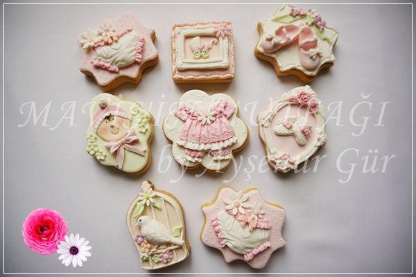 Soft renk tonlarında ,romantik kız bebek kurabiyeleri...