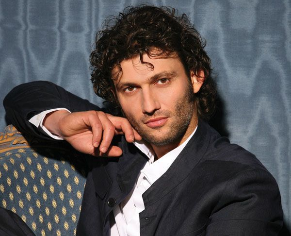 Jonas Kaufmann, German tenor - love his voice