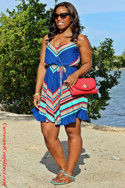 Curves and Confidence | Inspiring Curvy Fashionistas One Outfit At A Time: Weekend Wear: Diagonal Stripes